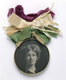 220px-Portrait_Badge_of_Emmeline_Pankhurst_-_c1909_-_Museum_of_London